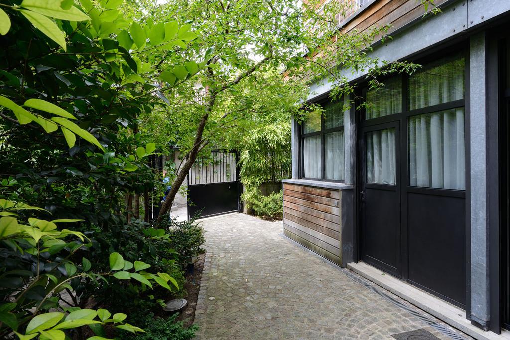 Atelier Alice Tricon / Jardins / Paysages - Passage Soupirs<br>Jardin privé - Paris (75020) - cour-avant sur le passage