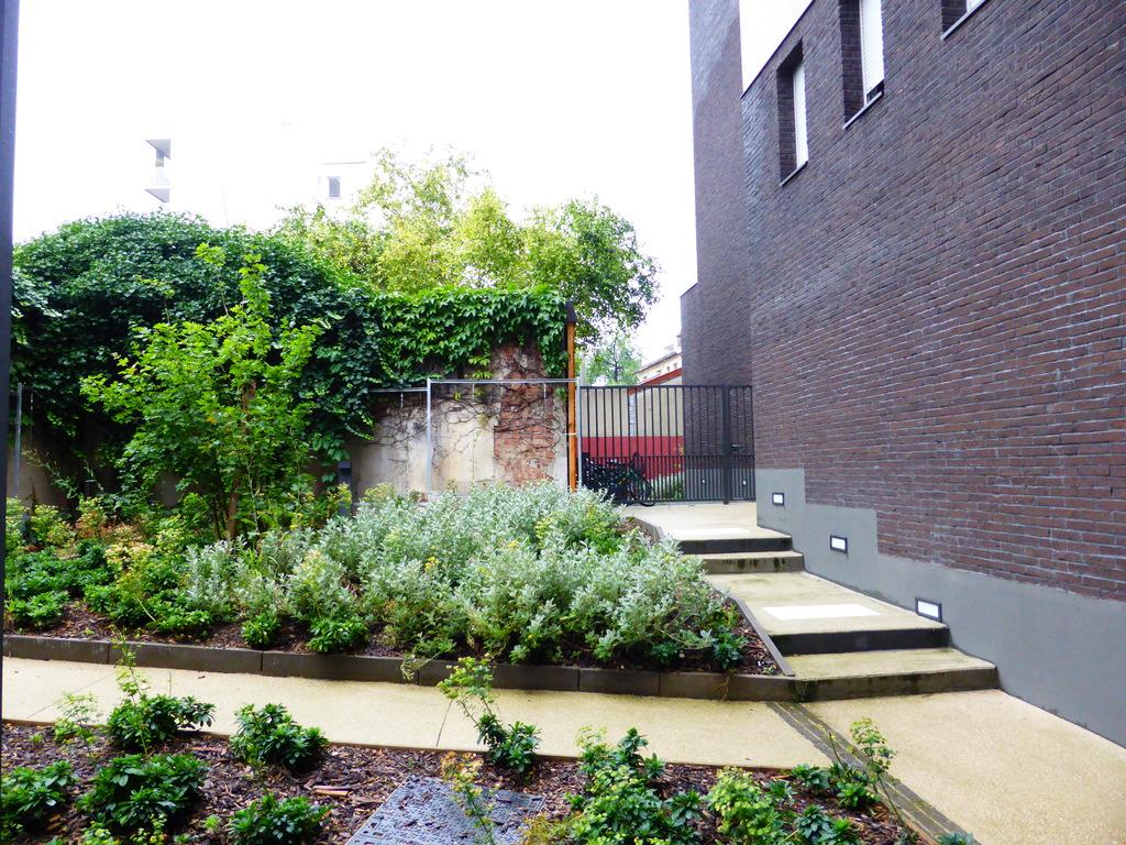 Atelier Alice Tricon / Jardins / Paysages - Les Céramiques<br>opération immobilière - Montreuil (93) - Opération immobilière à Montreuil Céramiques placette Alice Tricon