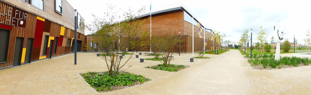 Atelier Alice Tricon / Jardins / Paysages - parc des sports<br>San Sénart - Saint Pierre du Perray (91) - Parc des Sports Saint Pierre du Perray San de Sénart place centrale  Alice Tricon