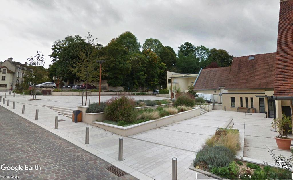 Atelier Alice Tricon / Jardins / Paysages - Place Victor Hugo<br>Fourqueux - Fourqueux (78) - PLACE VICTOR HUGO URBAINE FOURQUEUX CENTRE BOURG ALICE TRICON