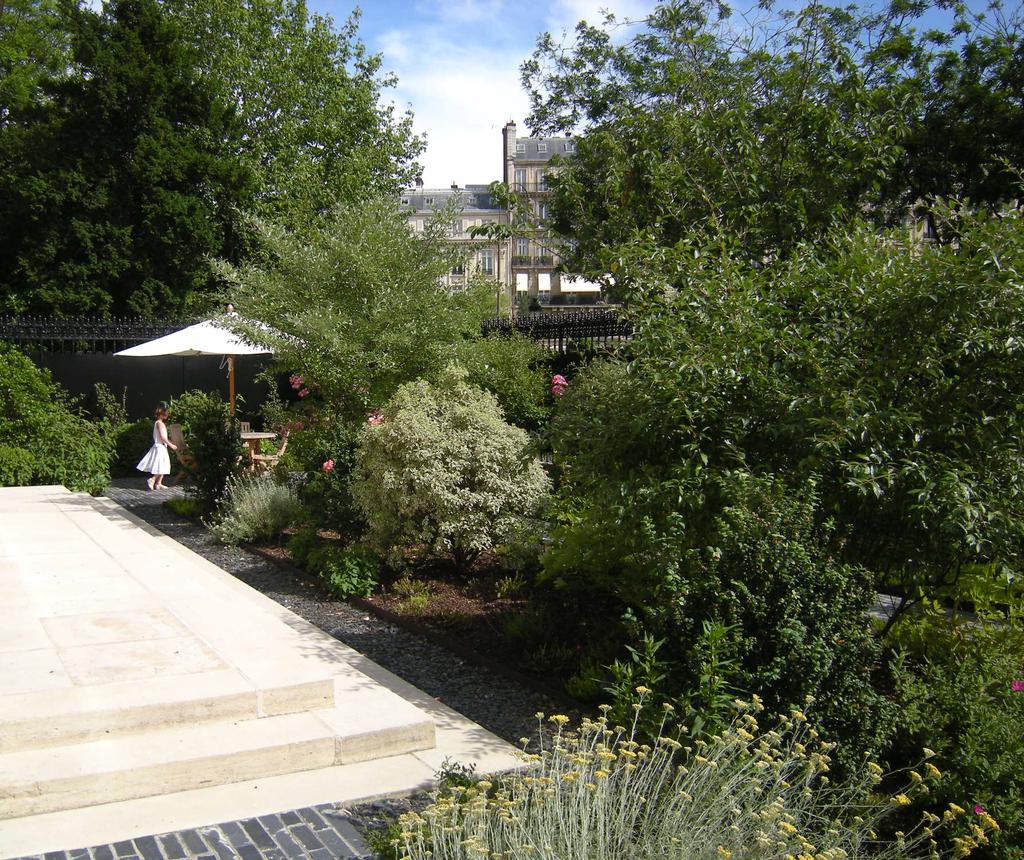 Atelier Alice Tricon / Jardins / Paysages - Ambassade Irlande - Ambassade d'Irlande (75016) - Le jardin de l'Ambassade après intervention