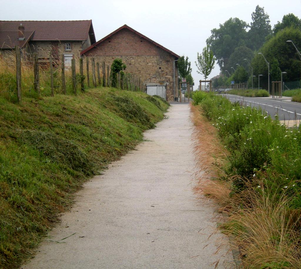 Atelier Alice Tricon / Jardins / Paysages - Séreilhac - Séreilhac (87) - Chemin piéton vélo