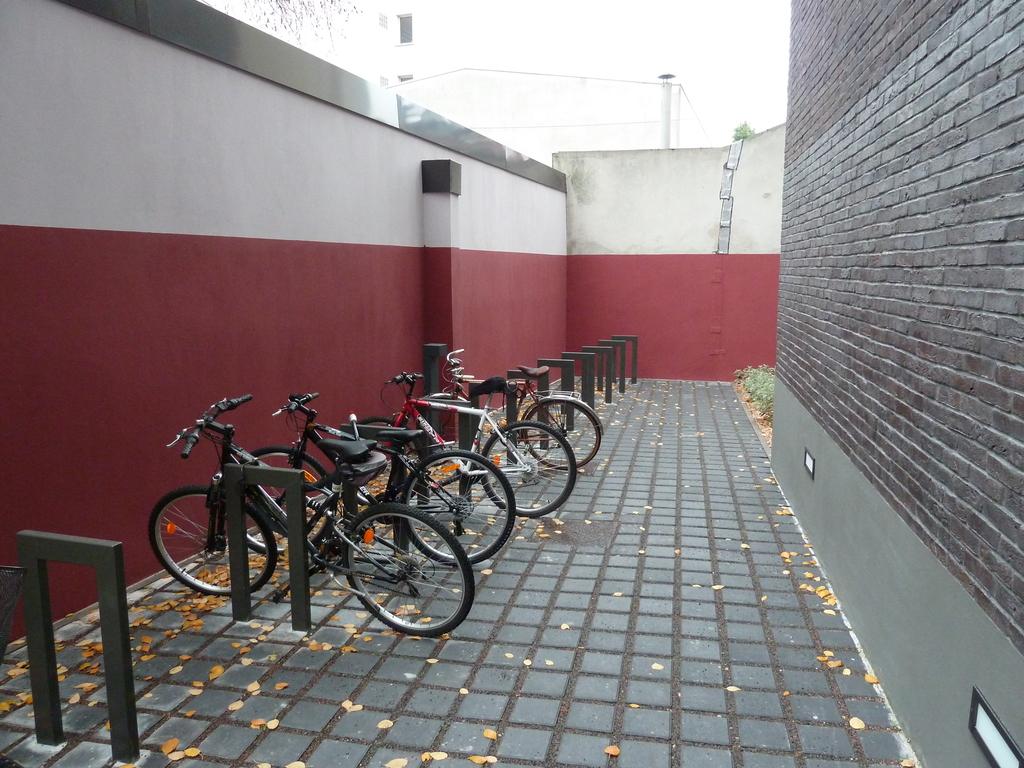 Atelier Alice Tricon / Jardins / Paysages - Les Céramiques<br>opération immobilière - Montreuil (93) - Opération immobilière à Montreuil Céramiques Parking vélos Alice Tricon